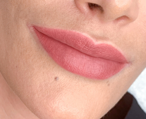 Dermatopigmentatie Powder lips 1