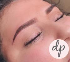 Dermatopigmentatie vrouw powderbrows