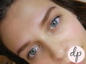 Dermatopigmentatie vrouw ombré powder brows